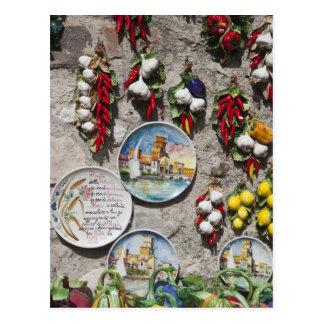 イタリア、ブレシアの地域、Sirmione。 記念品 ポストカード