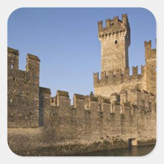 イタリア、ブレシアの地域、Sirmione。 Castello スクエアシール