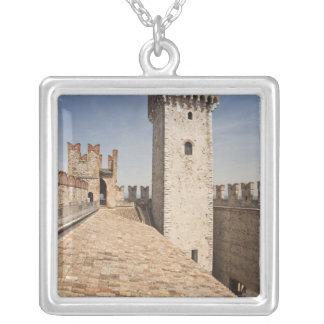 イタリア、ブレシアの地域、Sirmione。 Castello 4 シルバープレートネックレス