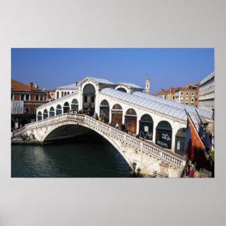 イタリア、ベネト、ベニスのRialto橋交差 ポスター