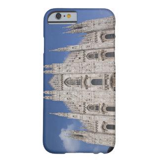 イタリア、ミラノの地域、ミラノ。 ミラノのカテドラル、2 BARELY THERE iPhone 6 ケース