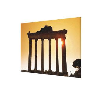 イタリア、ローマのローマのフォーラム、土星の寺院 キャンバスプリント