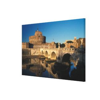 イタリア、ローマ、Castel Sant'Angeloおよび川 キャンバスプリント