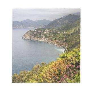 イタリア。 村間の沿岸ハイキング区域 ノートパッド