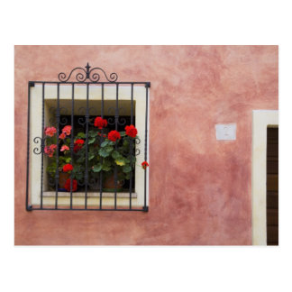 イタリア、Ascianoの新しい春が付いているウィンドウ・ボックス ポストカード