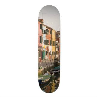 イタリア、Burano。 ラインaのカラフルな家 20cm スケートボードデッキ