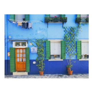 イタリア、Burano。 近のBuranoの多彩な家 ポストカード