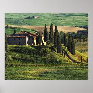イタリア。 Val d'Orcia.のタスカニーの牧歌的な別荘 ポスター