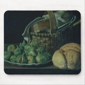 イチジクが付いている静物画、1746年 マウスパッド