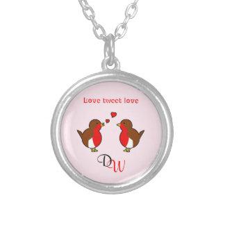 イニシャル愛ロビンピンクのバレンタイン シルバープレートネックレス