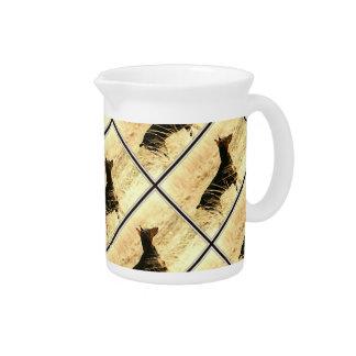 イメージを絵を描いている乾燥したリードのドーベルマン犬 ピッチャー