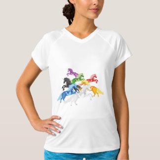 イラストレーションの多彩な野生のユニコーン Tシャツ