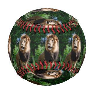 イランのアジアのライオン 野球ボール