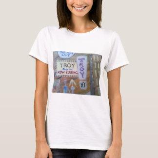 イリオスのNYのファッション Tシャツ