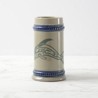 イルカの入れ墨 ビールジョッキ
