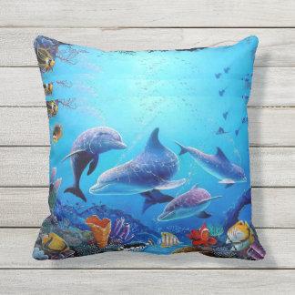 イルカの青の海 アウトドアクッション