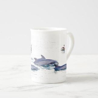 イルカの骨灰磁器のコップ ボーンチャイナカップ