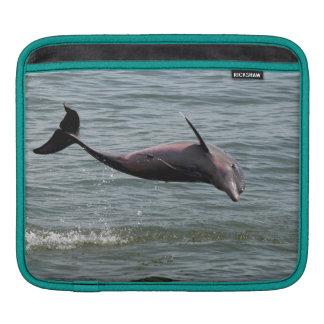イルカのiPadカバー跳躍の iPadスリーブ