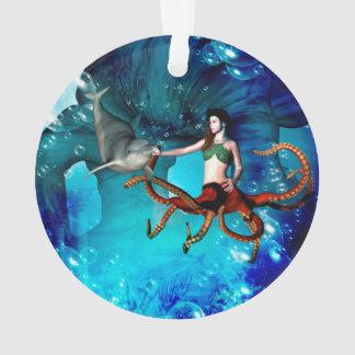 イルカを持つタコの女性 オーナメント