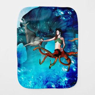 イルカを持つタコの女性 バープクロス