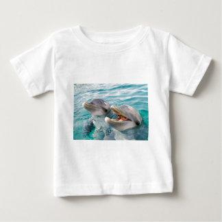イルカ ベビーTシャツ