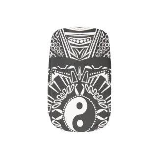 インおよびヤンは白黒を設計します ネイルアート