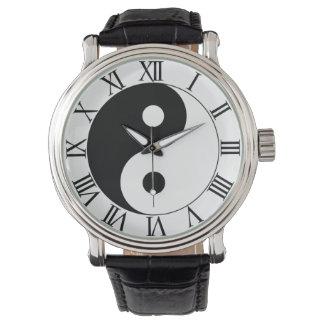 インおよびヤン 腕時計