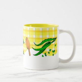 インゲンおよびフライパンのレトロのコーヒー・マグ ツートーンマグカップ