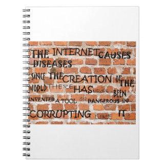 インターネットについての壁の警告 ノートブック