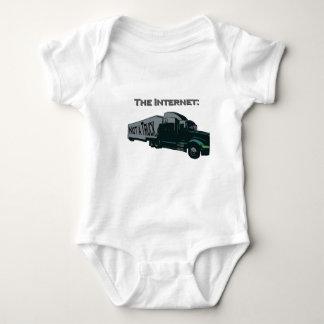インターネットはトラックではないです ベビーボディスーツ