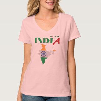 インドで作られる Tシャツ