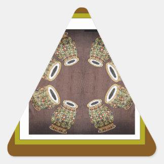 インドのフォークダンスで使用されるDHOLAKのドラム 三角形シール