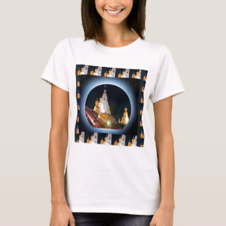 インドの寺院: Diwaliの装飾 Tシャツ