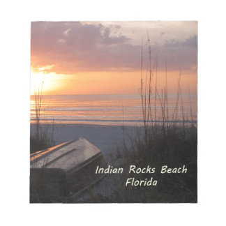 インドの石のビーチのフロリダの日没のビーチのボート ノートパッド