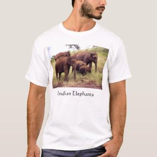 インドの野生象 Tシャツ