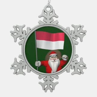 インドネシアの旗を持つサンタクロース スノーフレークピューターオーナメント