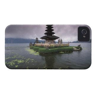 インドネシア、バリ島のUlun Danuの寺院 Case-Mate iPhone 4 ケース
