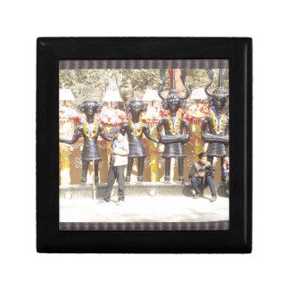 インドミュージシャンの芸術家の文化的なショーの彫像 ギフトボックス