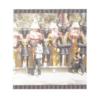 インドミュージシャンの芸術家の文化的なショーの彫像 ノートパッド