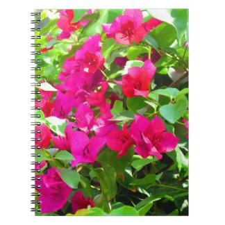インド旅行花のブーゲンビリアの花柄の紋章 ノートブック