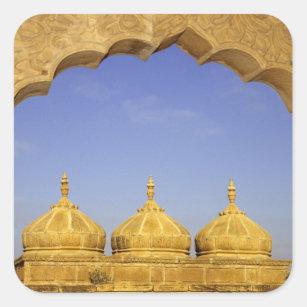 インド、ラージャスターン州、Jaisalmer。 砂岩ドーム スクエアシール