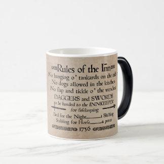 イン、18世紀な宿屋の主人の印の規則 モーフィングマグカップ