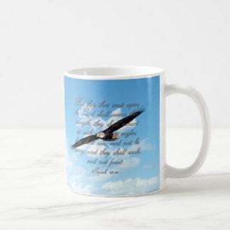 イーグルスのアイザイアの40:31のクリスチャンの聖書として翼 コーヒーマグカップ