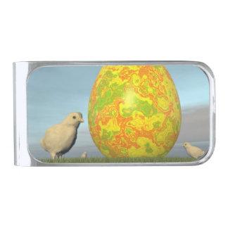 イースターのためのカラフルな卵- 3Dは描写します 銀色 マネークリップ