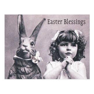 イースターのウサギのビクトリアンな祈る女の子の郵便はがき ポストカード