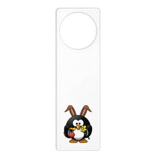 イースターのウサギのペンギン ドアノブプレート