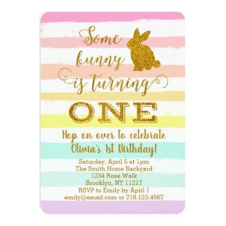 イースターのウサギの第1誕生日の招待状バニー カード