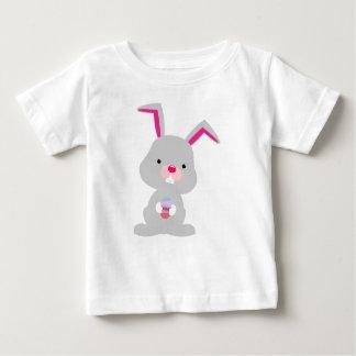 イースターのウサギ ベビーTシャツ
