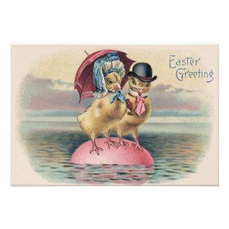イースターひよこによって着色される卵の傘の海 フォトプリント