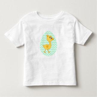 イースターエッグおよびかわいいひよこ トドラーTシャツ